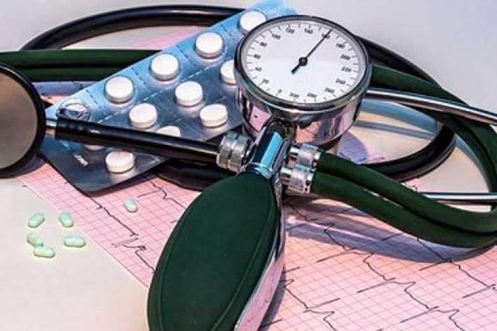 مبتلایان به فشار خون چقدر نمک بخورند؟
