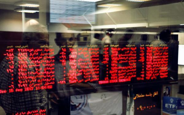 آشتی سهامداران خرد با بازار سهام